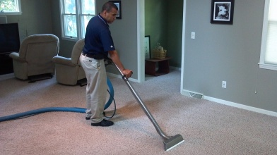 man-and-carpet-cleaning-1